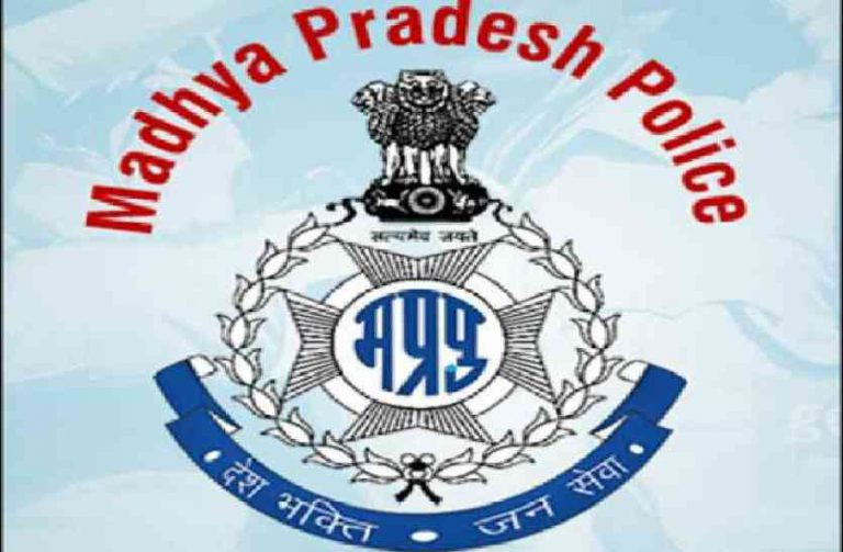 Madhya Pradesh Police take swift action and ensure shelter to the elderly woman