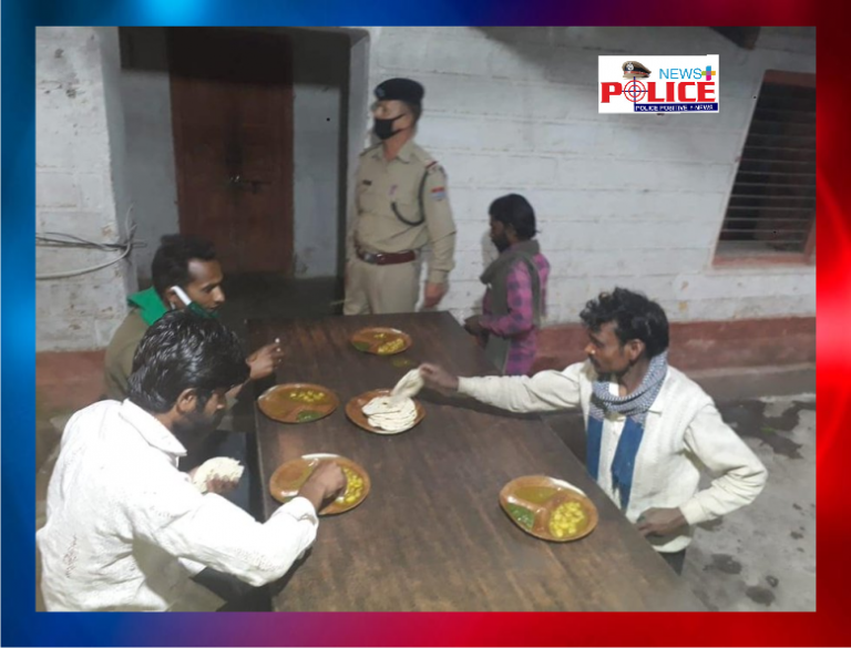 Budkot police provided food for labourers