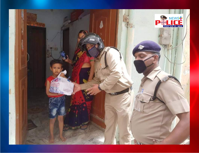 Haridwar Police helped family to celebrate the birthday of the 5 year old child