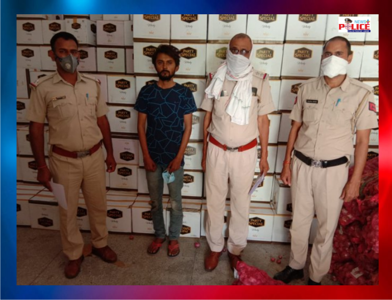 Jhajjar District Police seized illicit liquor along with the truck used in the smuggling