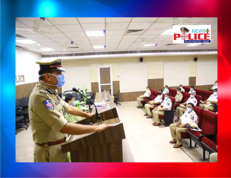Mr. Anjani Kumar, IPS Commissioner of Police rewarded the police personal for their meritorious work