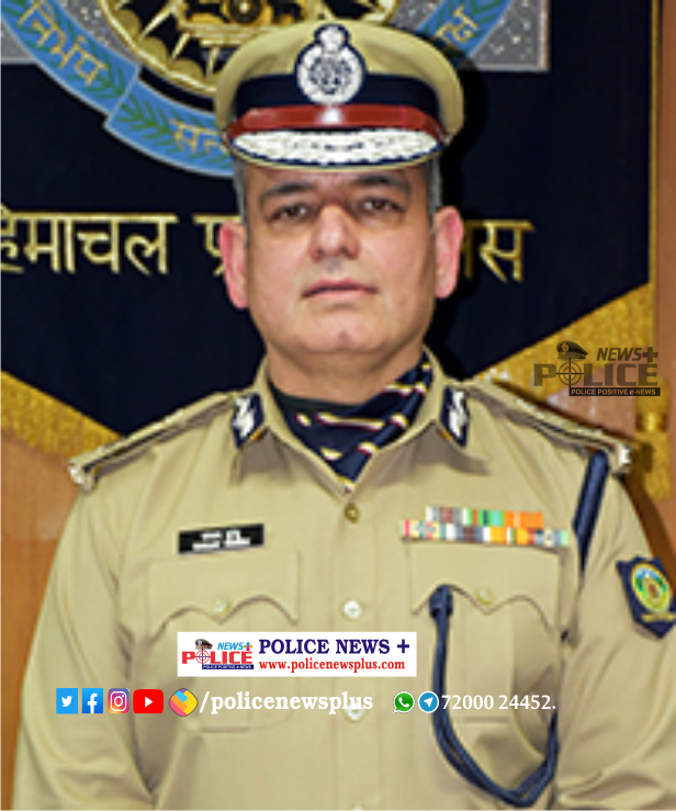 Mr. Sanjay Kundu, IPS, DGP visited the Police force to boost their morale