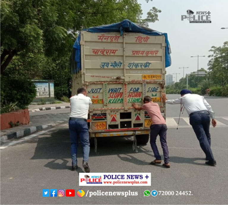 Delhi Traffic Police assisted driver