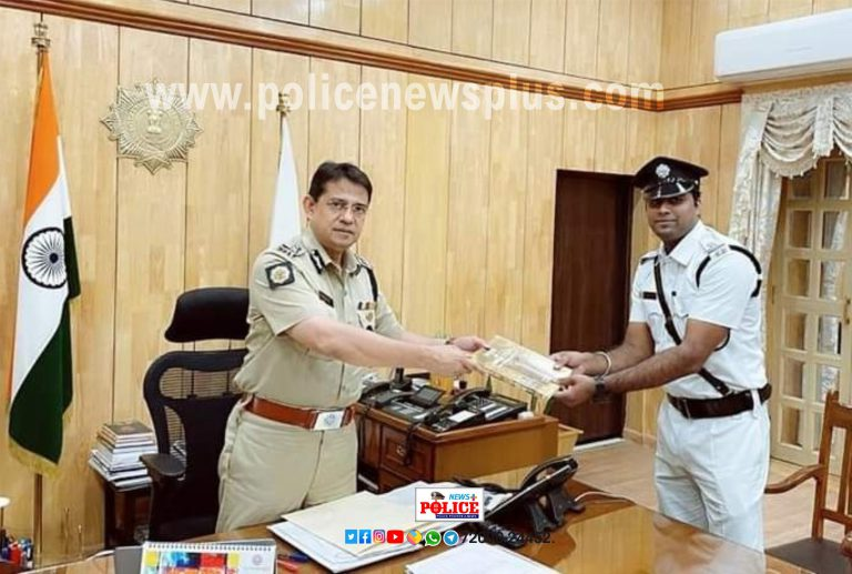 Policeman felicitated by Ķolkata Police Commissioner